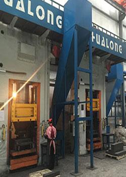 630吨静压电动螺旋压力机现场